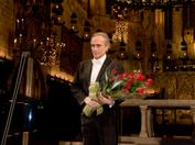 José Carreras during a benefit recital in Palma de Mallorca in 2007