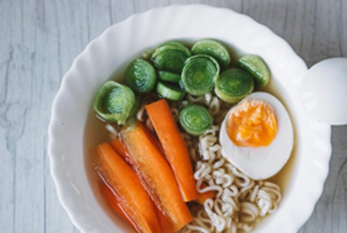 explicar cómo una nutrición adecuada es vital para la persona