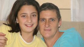Ana, ex-paciente de Linfoma No Hodgkin, con su hija