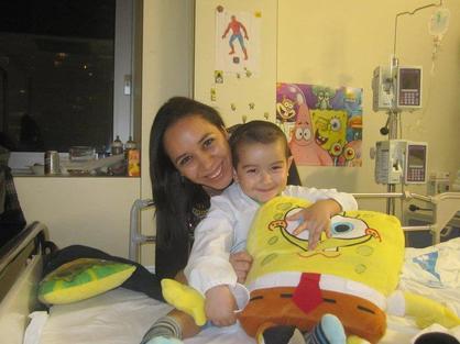 Cristian con su madre