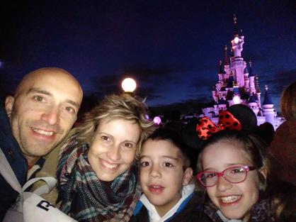 Lorena Valencia con su familia
